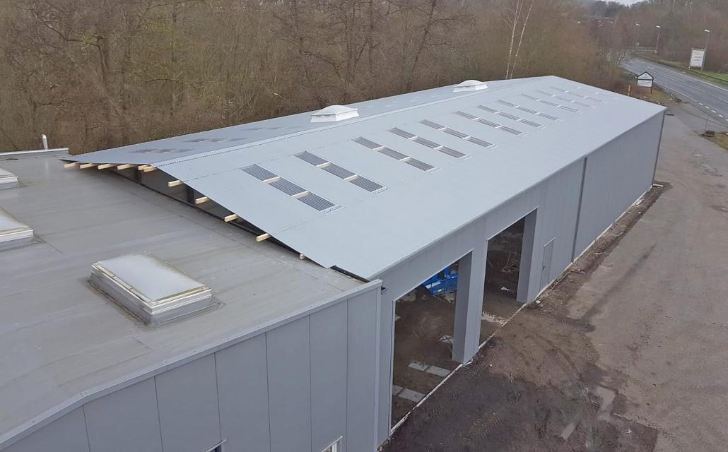 Reifenlagerhalle als Gebäudeanbau