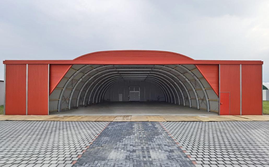 Flugzeughalle 16 x 25 m Innenansicht